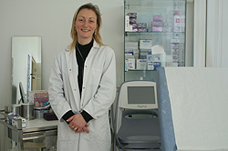 Céline assistante du docteur Roumazeille à Lille